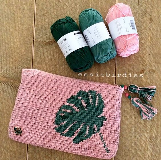 english leaf tapestry pencil case free pattern by essiebirdies, shared by Irsalina Isa Quick crochet within a day